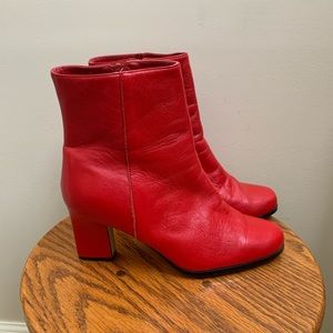Classigue Red leather ankle boots 7.5